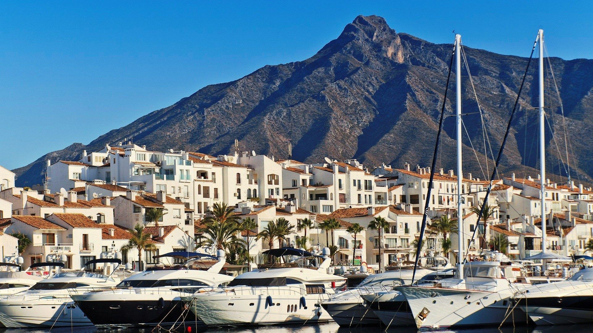 luxury life marbella